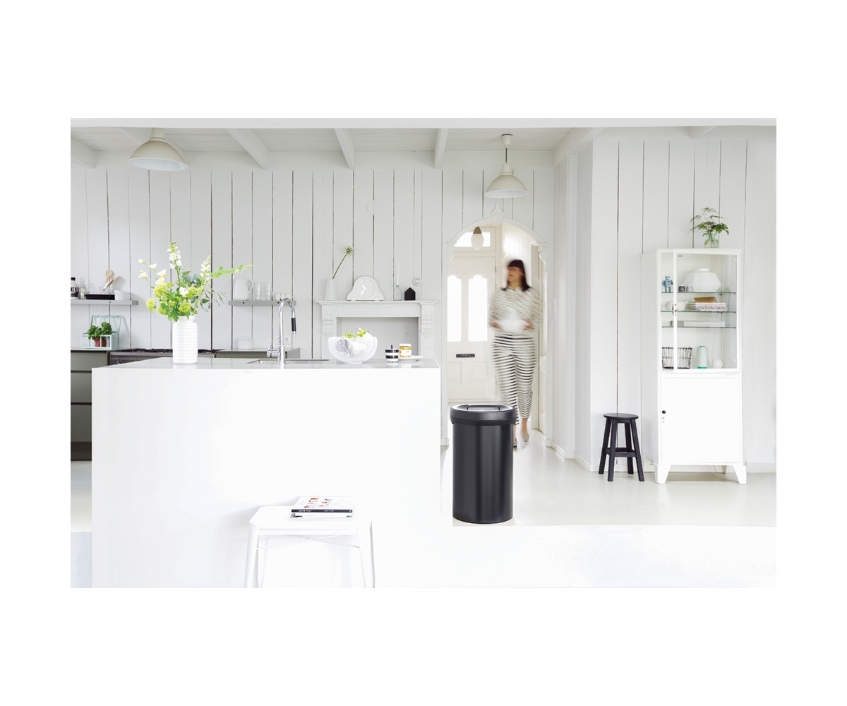 Big Bin 60 ltr Matt black Dark Grey låg Brabantia-010