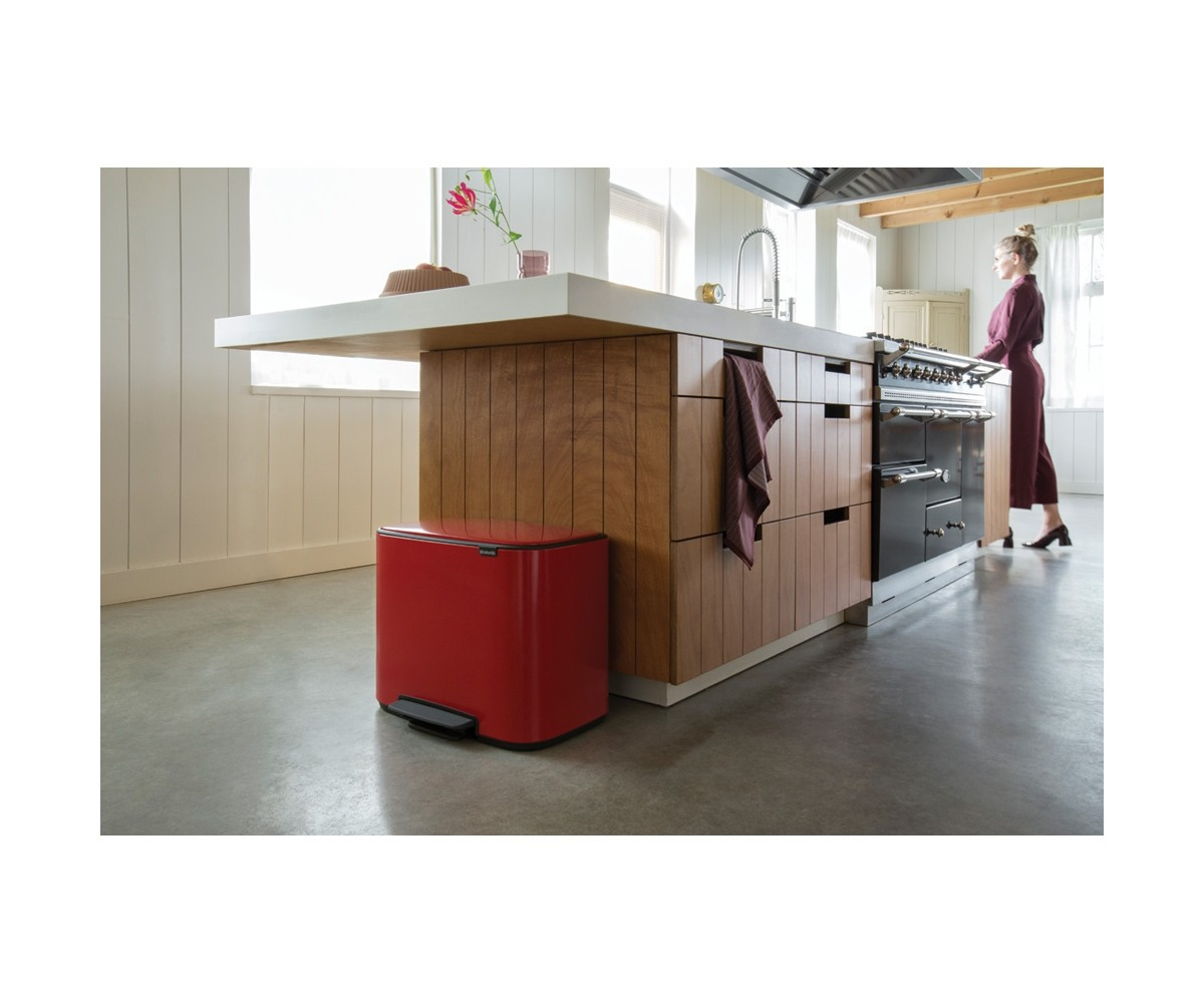 Bo Pedalspand 11+23 L. Passion Red Brabantia-016