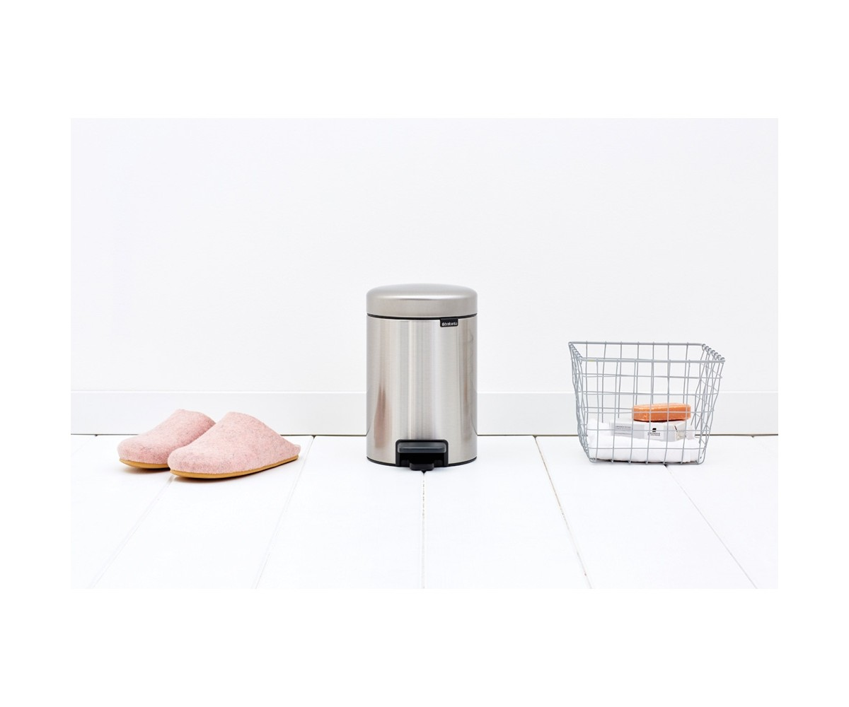 Brabantia Pedalspand 3 liter Matt Steel Fingerprint Proof-011
